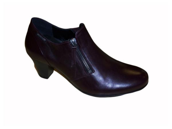 beata bettie leather